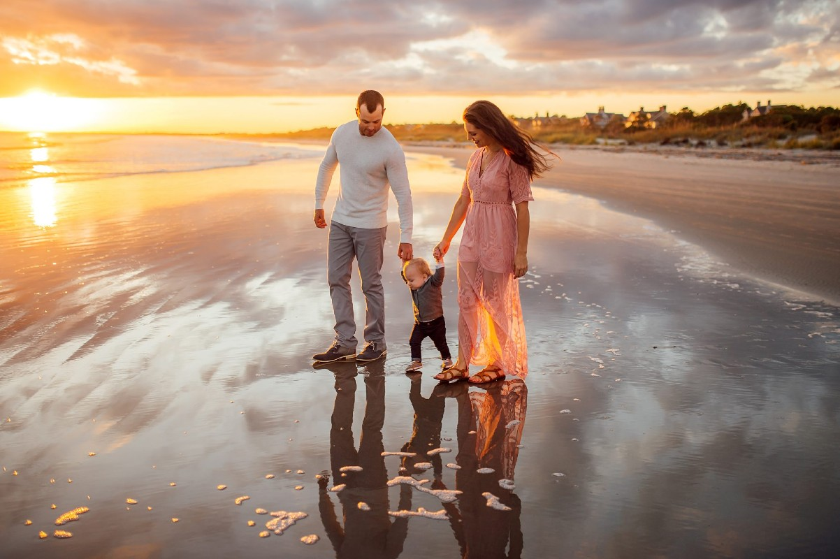Charleston-family-photographer-at-folly-beach